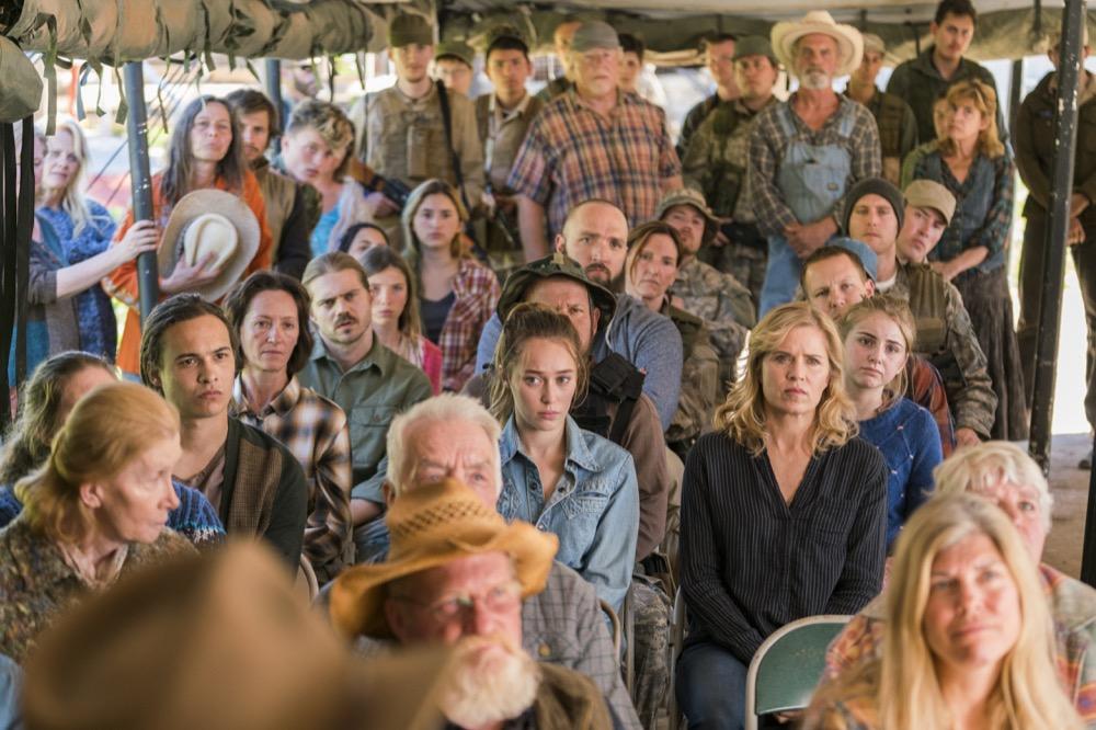 Frank Dillane as Nick Clark, Alycia Debnam-Carey as Alicia Clark, Kim Dickens as Madison Clark- Fear the Walking Dead _ Season 3, Episode 3 - Photo Credit: Michael Desmond/AMC