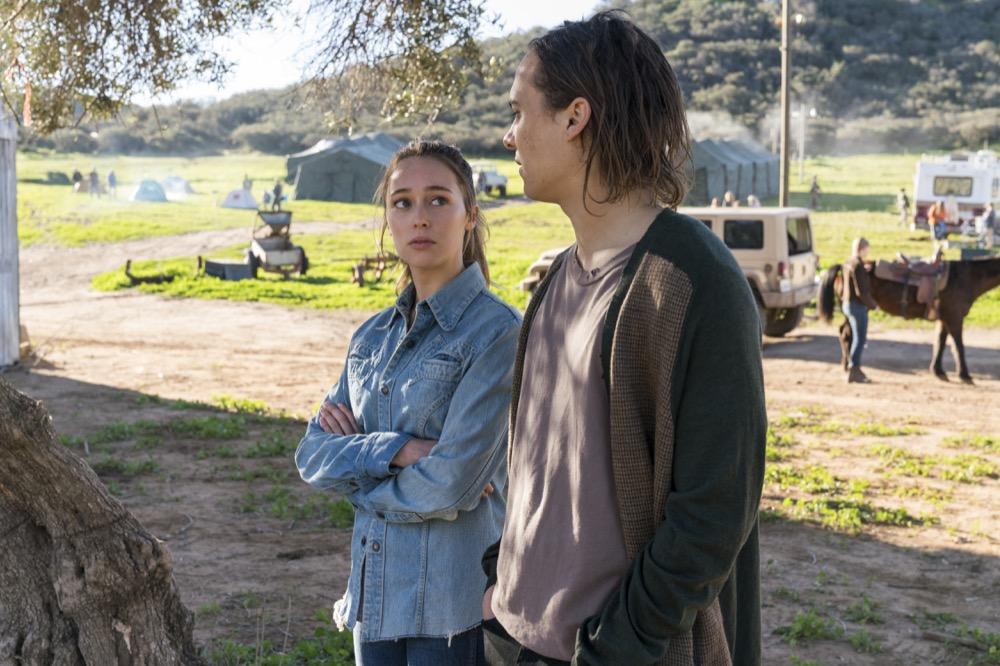 Alycia Debnam-Carey as Alicia Clark, Frank Dillane as Nick Clark- Fear the Walking Dead _ Season 3, Episode 3 - Photo Credit: Michael Desmond/AMC