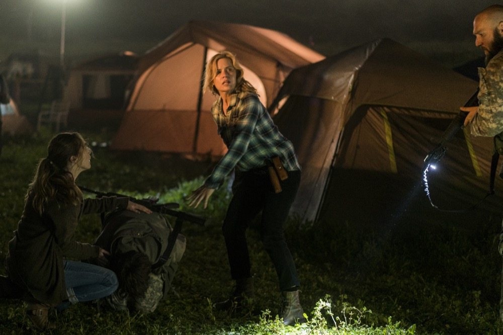 Kim Dickens as Madison Clark, Alycia Debnam-Carey as Alicia Clark, Matt Lasky as Coop - Fear the Walking Dead _ Season 3, Episode 7 - Photo Credit: Richard Foreman, Jr/AMC