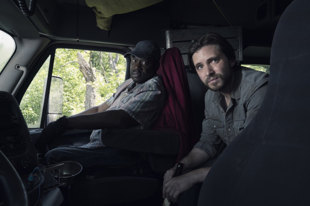 """Daryl """"Chill"""" Mitchell as Wendell, Aaron Stanford as Jim  - Fear the Walking Dead _ Season 4, Episode 12 - Photo Credit: Ryan Green/AMC"""
