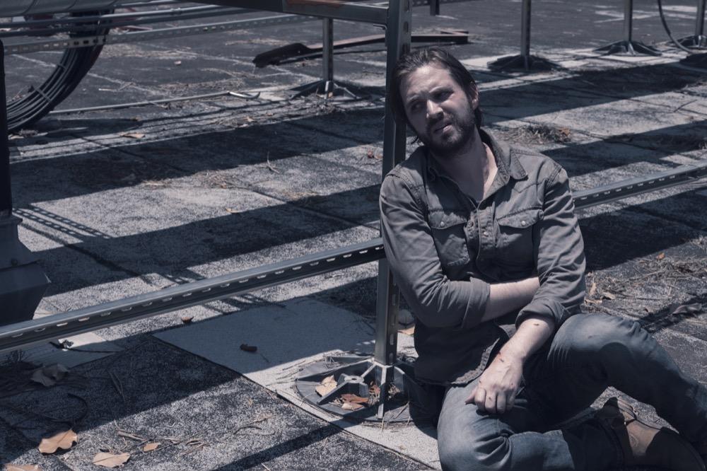 Aaron Stanford as Jim- Fear the Walking Dead _ Season 4, Episode 15 - Photo Credit: Ryan Green/AMC