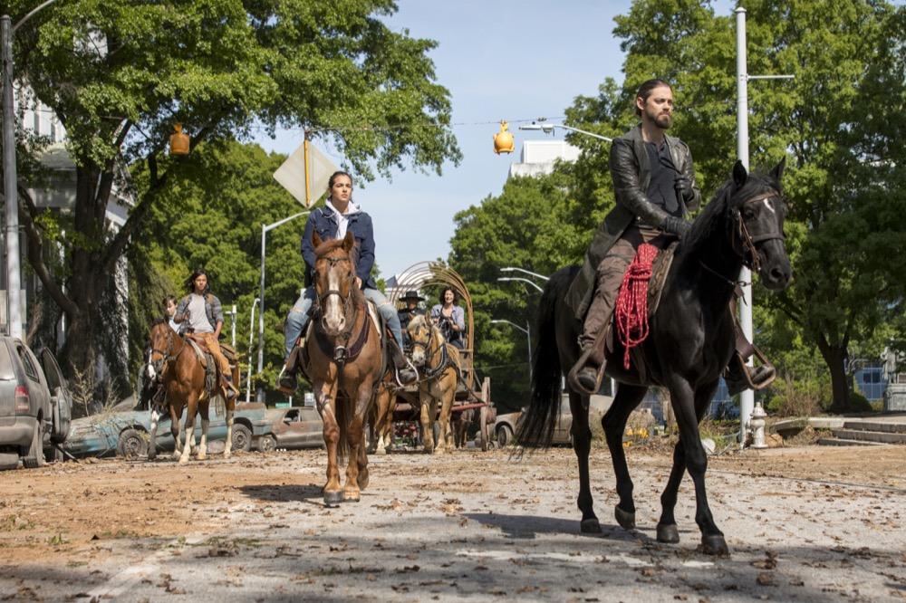 Tom Payne as Paul 'Jesus' Rovia, Alanna Masterson as Tara Chambler- The Walking Dead _ Season 9, Episode 1 - Photo Credit: Jackson Lee Davis/AMC