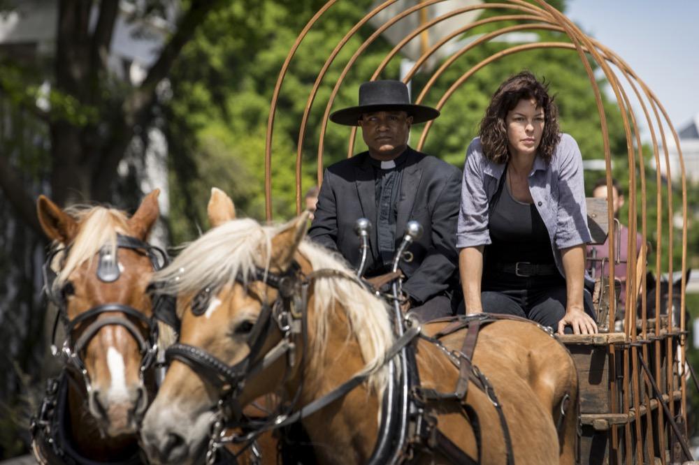 Seth Gilliam as Father Gabriel Stokes, Pollyanna McIntosh as Jadis/Anne - The Walking Dead _ Season 9, Episode 1 - Photo Credit: Jackson Lee Davis/AMC